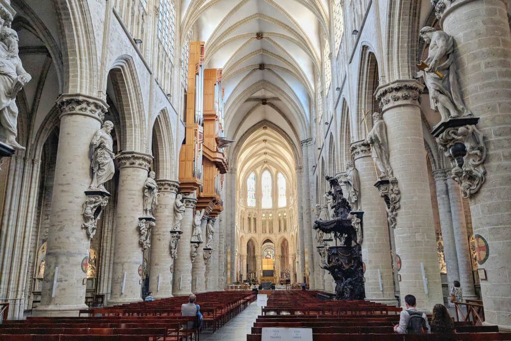 Walking Tour of Brussels: Cathedral of Saint Michael and Saint Gudula in Brussels, Belgium