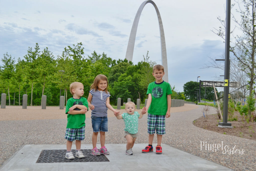 4 kids at the St. Louis Arch