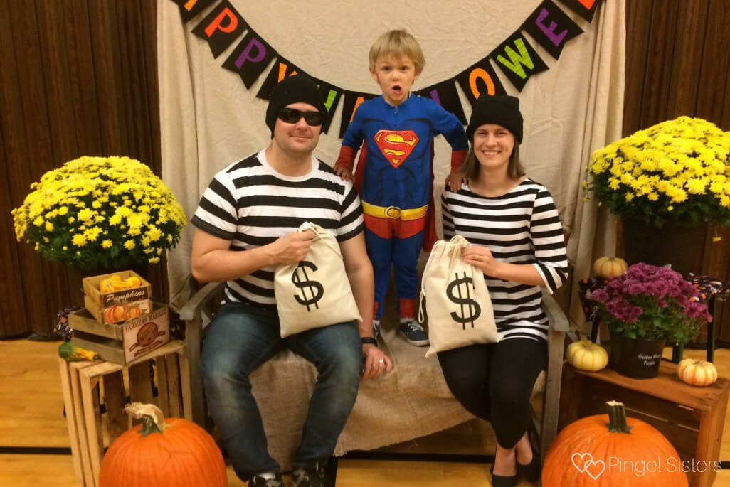 Halloween - Superman and robbers family themed costume